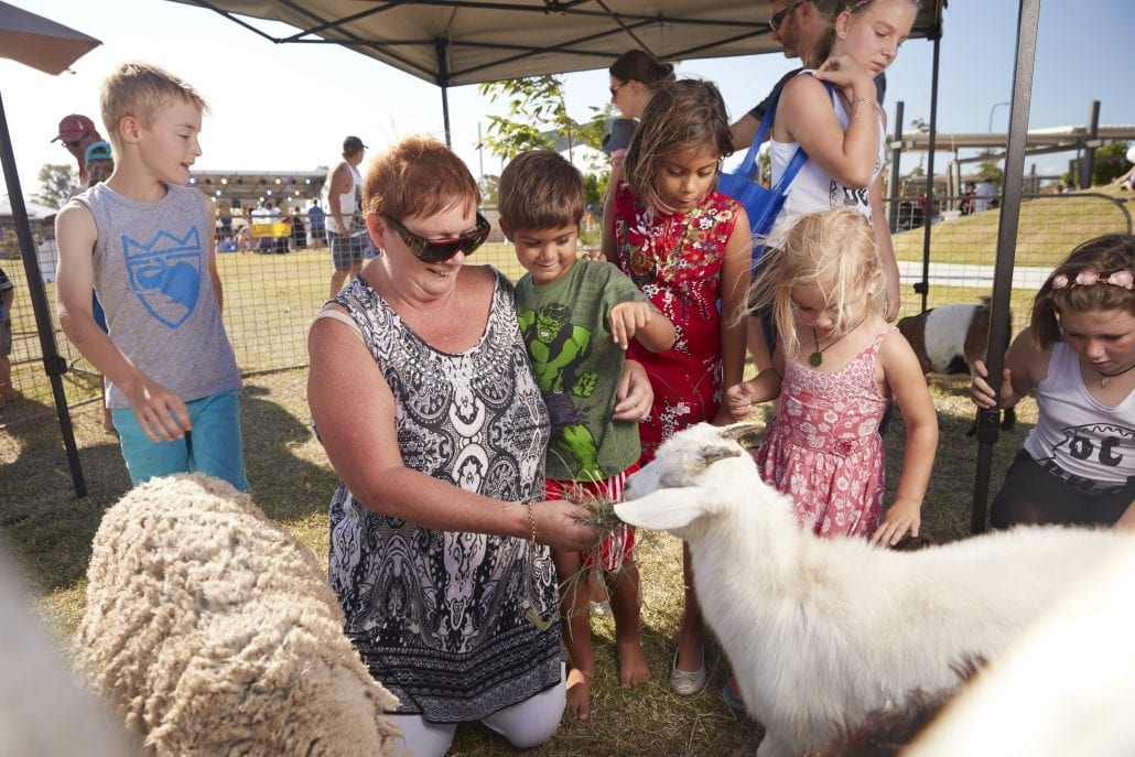 North Harbour - Great Location - Petting Zoo